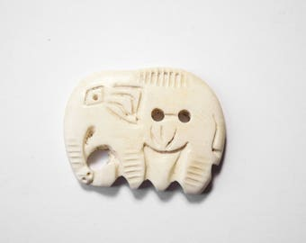 Handcrafted 3 x 1 cm Beige Elephant Yak Horn button