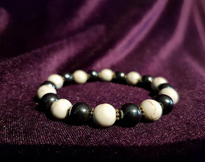 Hematite & Howlite bracelet - witch wicca gemstones hematite hematiet howliet howlite pagan occult nature boho