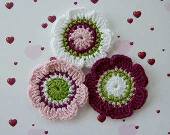 Set of 3 large flowers of 5.5 cm crochet cotton pink, fuchsia, green and white