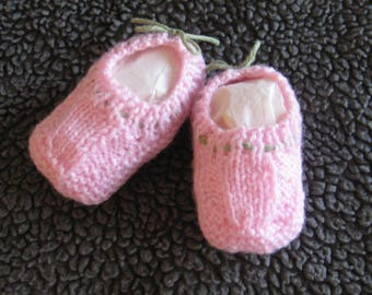 Hand knitted baby booties - pink with green trim