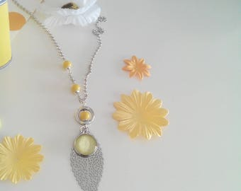 Necklace silver leaf with a cabochon yellow and