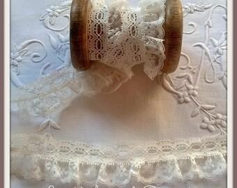 Shabby ecru nylon lace