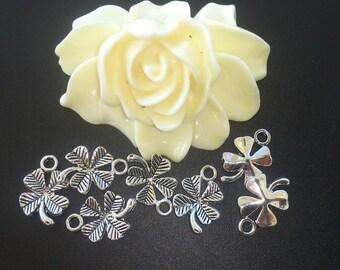 10 antique silver metal (38 (A) four leaf clover Charms pendants