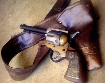 Replica: Gun and HOLSTER - made entirely by hand