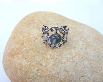 Adjustable ring cameo, silver coloured cabochon
