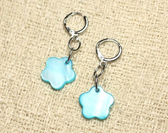 Mother of Pearl flower 15mm blue Turquoise earrings