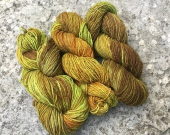 450 g hand dyed and handspun wool.