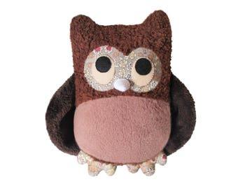 Hand-made stuffed animal Brown owls