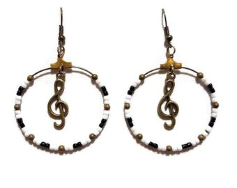 Treble clef earrings black and white beads