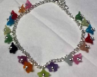 Small flowers multicolored lucites bracelet