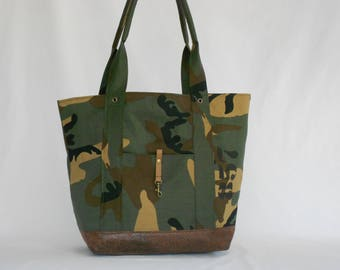 bag / purse / tote bag / vintage bag / fabric camouflage / army fabric / faux leather