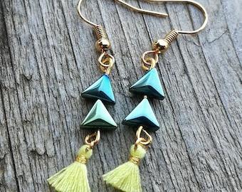 "Earrings ""Priscilla"" child / teen triangles cotton tassel and hematite"