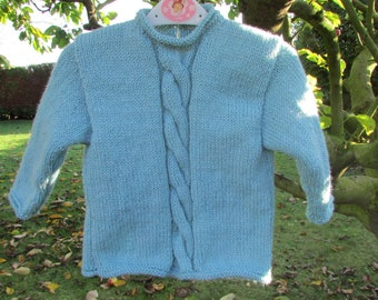 Blue sweater with twist South seas