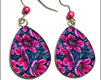 Earrings pink flower pattern