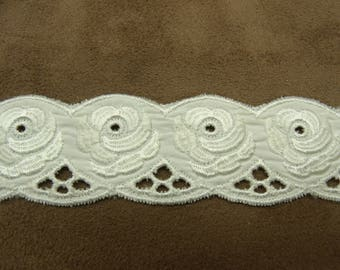 Ribbon embroidery - 3 cm - ivory
