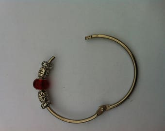Bangle style Pand0ra with glass bead and charm