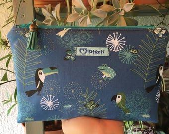 Cosmetic bag, vanity case Toucan