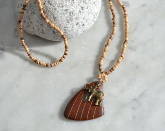 PRETTY NECKLACE COCONUT BEADS