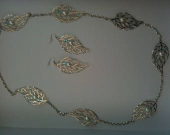 set of necklace and silver leaf earrings