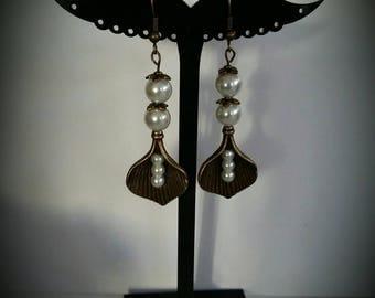Beads and bronze dangle earrings