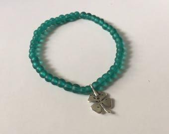 Silver clover/ green beads/ bracelet