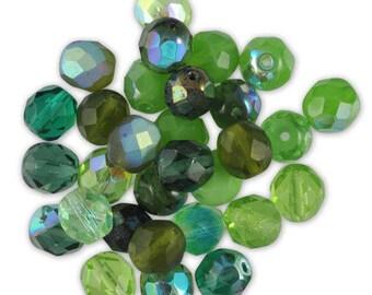 Assortment 20 faceted emerald green blend glass beads / light green ⌀ 8 mm