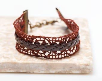 Bohemian cuff - lace bracelet / Bronze