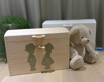 Toy carrying case with name