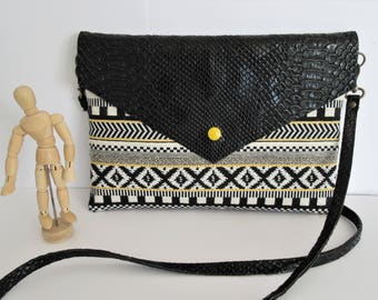 //MARIE// ecru/black jacquard pouch