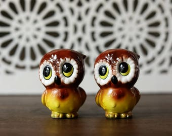 Vintage Retro Anthropomorphic Baby Owl Salt & Pepper Shakers