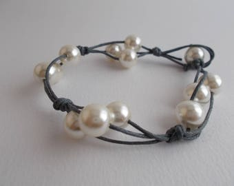 Grey cotton string bracelet and pearls