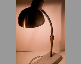 Flexible vintage desk lamp