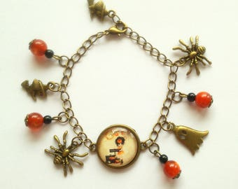 Bronze miss Halloween spiders and cat's eye bracelet