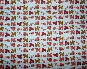 C365 little dogs on a background fabric unbleached coupon 35x50cm