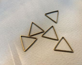 20 spacer triangles bronze 14mm for jewelry making
