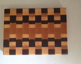 End grain Cutting Board - Patchwork with Maple in Middle (Walnut, Maple, Cherry)