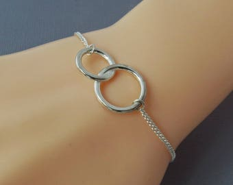 Sterling Silver Sisters Bracelet, Karma Bracelet, Infinity Bracelet, Two Circle Bracelet,  Best Friends Bracelet, Gift for Her, Eternal Love