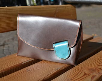 Chuspo Leather Pochette