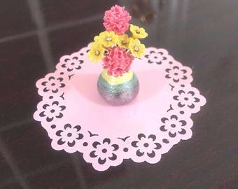 Beautiful Dollhouse Miniature 1:12 Flowers Pink Yellow Daisies Flowers Shimmer Vase
