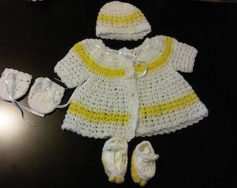 Baby girl crochet set 0-3 months old.