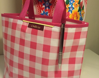 small 25 x 32 cm gingham oilcloth tote bag