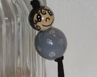 "Keychain doll with wooden beads, bag charm, ""smile ball"" entirely handpainted, personalized, gray"