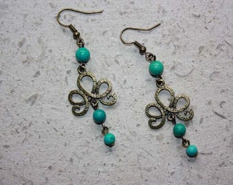 Green turquoise beads earrings.