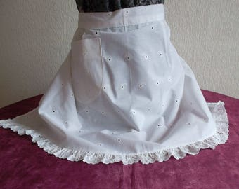 Lovely vintage openwork and scalloped apron