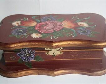 Vintage jewellery box.  Storage box. Hand painted box