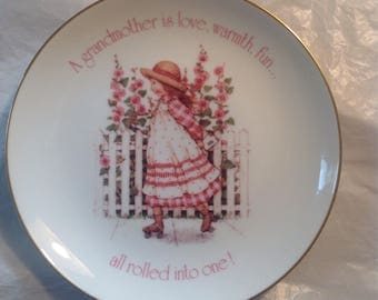 1984 Holly Hobbie Lasting Memories Fine Porcelain grandmother plate.