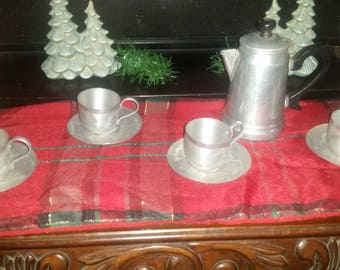 Vintage Aluminum child's Tea Set