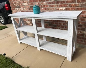 Rustic white washed farmhouse pinewood console