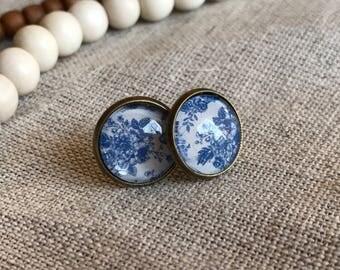 Stud earrings: Blue Floral