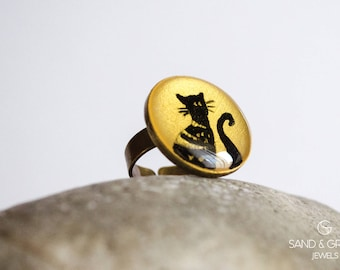Bronze round ring on one black cat in gold background theme, Hand painted enamel everyday adjustable ring, cocktail ring, for cat lovers